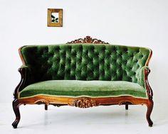 New Victorian Furniture Vintage Settees Ideas Victorian Couch, Antique Couch, Vintage Settee, Victorian Furniture, Victorian Decor, French Furniture, Classic Furniture, Antique Furniture, Home Furniture