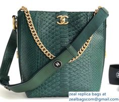 7358d2cd63c Gucci Interlocking G Buckle Chain Leather Shoulder Small Bag 510304 ...