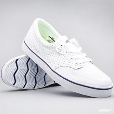 Currently rocking a pair of these, Nike 6.0 Braata Premium in white.