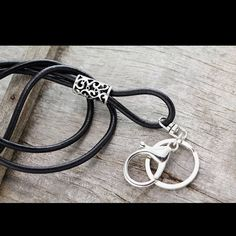 Tobacco Leather Eyeglass Chain for Men Rustic Leather Glasses Leather Gifts, Leather Key, Braided Leather, Black Leather, Hipster Accessories, Leather Lanyard, Eyeglass Holder, Chains For Men, Necklaces