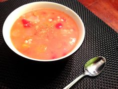 Soupe tomates et orge Canadian Food, Canadian Recipes, Nutrition, Cheeseburger Chowder, Cantaloupe, Fruit, French, Cream Soups, Pearl Barley