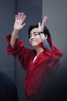 jaewon  kick me   Pretty Boys, Beautiful Boys, Beautiful People, Kim Jisung, Asian Boys, Asian Men, Jaewon One, Rapper, Jung Jaewon