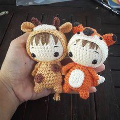 Giraffe boy battle with fox boy #amigurumilove #amigurumi #crochet#crocheteveryday #crochetworld #artist #artwork #dolls #crocheter #cutie