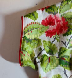 Gertie's New Blog for Better Sewing: Tutorial: Using Piping as a Facing