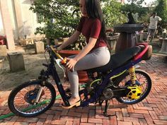 Moto Car, Tumblr Photography, Racing Team, Motorcycle, Bike, Lady, Vehicles, Chairs, Bicycle