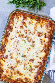 Best Easy Lasagna Recipe, Easy Lasagna Recipe With Ricotta, Cheesy Lasagna Recipe, Homemade Lasagna Recipes, Baked Lasagna, Lasagne Recipes, Beef Recipes, Cooking Recipes, Vegan Lasagna Recipe
