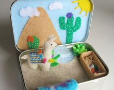 Items similar to Repurposed Altoid Tin Purse size Sewing Kit on Etsy Cute Crafts, Felt Crafts, Craft Projects, Crafts For Kids, Arts And Crafts, Felt Glue, Diy Cadeau Noel, Tin House, Mint Tins