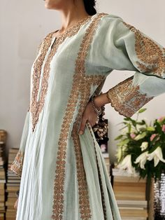 Stylish Dress Designs, Stylish Dresses, Nice Dresses, Casual Dresses, Pakistani Dress Design, Pakistani Outfits, Indian Outfits, Indian Designer Outfits, Designer Dresses