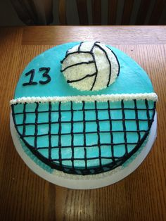 Volleyball cake, this is perfect Volleyball Birthday Cakes, Volleyball Snacks, Volleyball Gifts, Volleyball Sayings, Volleyball Posters, Volleyball Ideas, Volleyball Drills, Coaching Volleyball, Christmas Gift Box