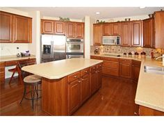 Nice Oak Kitchen Kitchen Remodel, How To Plan, Nice, Decor Ideas, Home Decor, Kitchen, Interior Design, Home Interiors, Decoration Home