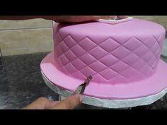 Cake Pop Decorating, Cake Decorating Techniques, Cake Decorating Tutorials, Beautiful Cake Designs, Beautiful Cakes, Best Fondant Recipe, Mom Cake, Gold Birthday Party, Fake Cake