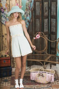 Lookbook Summer of Love Highly Preppy SS16 // Vestido palabra de honor azul pastel con encuentro