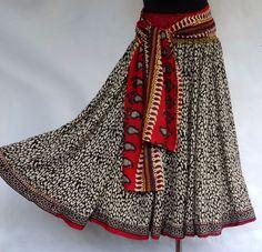 Jupe mi- longue écru à petits motifs noir block print éthnique indien et ceinture muticolore élastiquée : Jupe par akkacreation Waist Skirt, High Waisted Skirt, Inspiration Mode, Cotton Skirt, Motifs, India, Boho, Etsy, Skirts