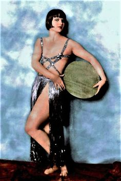 Louise Brooks mid in naked dress colorized Louise Brooks, Kansas, Silent Film Stars, Movie Stars, Vintage Hollywood, Classic Hollywood, Hollywood Divas, Hollywood Icons, Belle Epoque