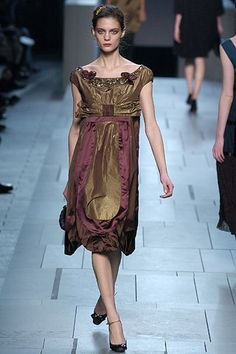 Louis Vuitton | Fall 2005 Ready-to-Wear Collection | Style.com