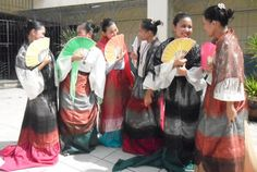 Women from Philippines in traditional and colorful baro at saya - Image © Ceasar Amirhassan Nimor - flickr