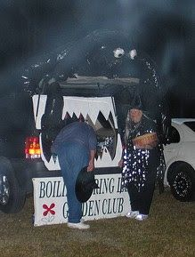holiday crafts 16 Ways to Decorate Your Car For Trunk or Treat- like the toaster, spider web, jail