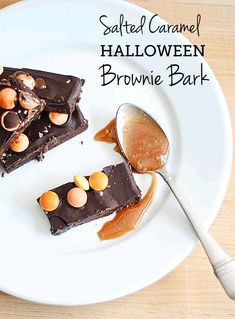 """Salted Caramel Halloween Brownie Bark - as good as it sounds and the perfect thing to """"boo"""" your neighbors with (if you can stop yourself from eating it all!)"""