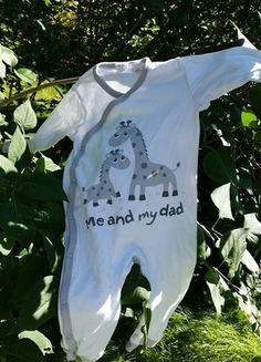 Kaufe meinen Artikel bei #Mamikreisel http://www.mamikreisel.de/kleidung-fur-jungs/schlafanzuge/18687213-me-and-my-dad-giraffen-schlafanzug
