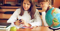 Generalmente, los dispositivos móviles se ven como algo negativo en el entorno educativo, y se llegan incluso a prohibir en algunos centros.