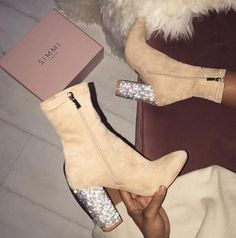 """3,160 mentions J'aime, 12 commentaires - Snobb Queen™ (@theofficial_snobbqueen) sur Instagram : """"SNOBB APPROVED ✅ Simmi Shoes"""""""