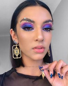 Glam Makeup, Rave Makeup, Skin Makeup, Beauty Makeup, Glitter Makeup, Beauty Art, Purple Makeup, Makeup Eye Looks, Creative Makeup Looks