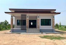 บ้านชั้นเดียวสไตล์โมเดิร์น 3 ห้องนอน พื้นที่ใช้สอย 118 ตรม Small Modern House Plans, Simple House Plans, Simple House Design, House Front Design, Indian House Exterior Design, Modern Exterior House Designs, Kerala House Design, Single Storey House Plans, House Design Pictures