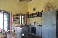 lovely Tuscan kitchen