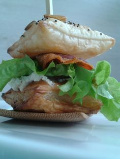 Salmon Burgers, Drinks, Ethnic Recipes, Food, Drinking, Drink, Meals, Cocktails