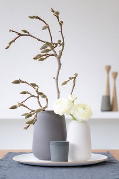 Vorboten… - Home Accessories Diy Spring Decoration, Decoration Table, Diy Home Accessories, Christmas Decorations, Holiday Decor, Elegant Homes, Rugs In Living Room, Farmhouse Decor, Easy Diy