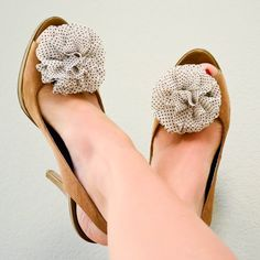 shoe clips. these shoes are too cute!