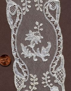 Brussels bobbinlace with droschel ground, probably third quarter of the century. Lacemaking, Bobbin Lace, Vintage Lace, Brussels, Alter, 18th Century, Third, Tattoos, Classic