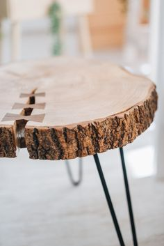 Round Coffee Table Modern, Made Coffee Table, Rustic Coffee Tables, Tree Stump Furniture, Plywood Furniture, Wood Slab Table, Wooden Tables, Mid Century Coffee Table, Live Edge Table