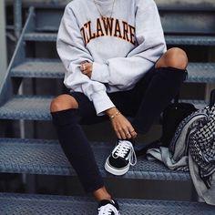 19 Schicke Pullover Outfit Ideen - Brenda O. - - 19 Schicke Pullover Outfit Ideen – Source by enessasand Mode Outfits, Fashion Outfits, 90s Fashion, Fashion Mode, Style Fashion, Fashion Trends, Fashion Clothes, Fall Fashion, Womens Fashion