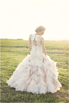 Keyhole lace back wedding dress (Stephen van Eeden  &  Janita Toerien design)
