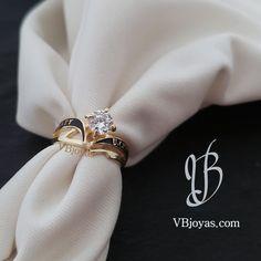 Quito, Ecuador, Napkin Rings, Ideas, Black Enamel, Yellow, Wedding Ring Set, Handmade Beaded Jewelry, Guayaquil