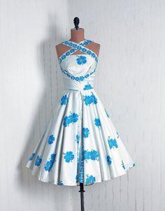 1950's Hawaiian Hibiscus Dress