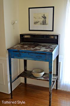 Tattered Style: Vibrant in Blue / Vintage Receiving Stand