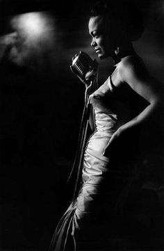 A voice that embodied the cool of those smokey, small club days of jazz. theimpossiblecool: Eartha Kitt by Ernst Haas, Girl Bands, Black And White Portraits, Black And White Photography, Era Do Jazz, Foto Portrait, Photo Star, Eartha Kitt, Jazz Club, Jazz Musicians