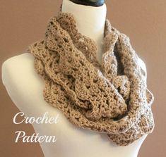 Crochet PATTERN PDF Chunky Crochet Infinity Scarf von OnTheHook, $5.00