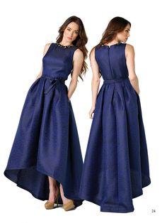 Los cortes asimétricos siempre estarán presentes en una colección de vestidos muy elegantes