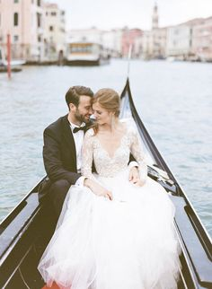 A dream wedding on this truly magical venue in the Venetian sea at the island of San Clemente. This summer I had the pleasure of working with the very talented A Very Beloved Wedding <3