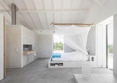 Sítio da Lezíria converted stables by Atelier Data