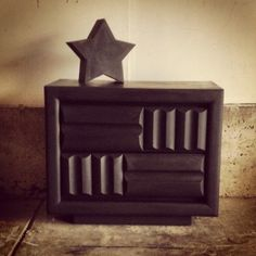 Super fun and stylish black chalk painted mid-century modern side table.  Made by lane.  Great lines perfect for boys room, side table in living or guest room.