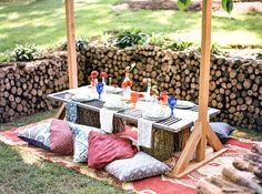 Bohemian head table - wedding in the woods