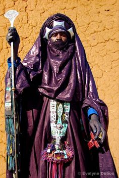 Africa | Tuareg man competing in the best traditional dress at the Iferouane Festival, Niger | ©Evelyne Dubos