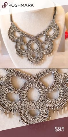 Stella & Dot Tallulah Bib AMAZING Bib necklace that to be honest, I'm having a tough time parting with thus beauty!!! Stella & Dot Jewelry Necklaces