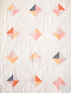 10 Free Modern Quilt Patterns For Beginners! - Making Things is Awesome - 10 Free Modern Quilt Patterns For Beginners! – Making Things is Awesome - Easy Sewing Projects, Sewing Projects For Beginners, Quilting Projects, Sewing Tips, Sewing Tutorials, Quilt Baby, Modern Quilt Patterns, Sewing Patterns, Modern Baby Quilts