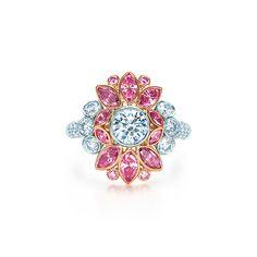 Anello Floreale con Diamanti Rosa