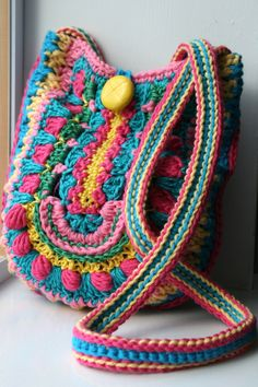 LuzPatterns.com boho bag 166 4, another reason to learn to crochet